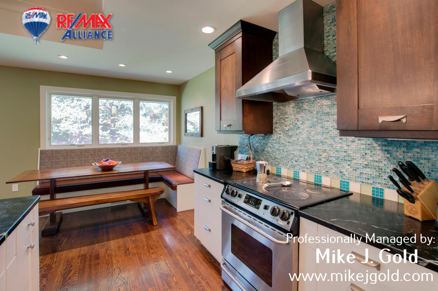 3060_s_holly_pl_denver_co-large-009-23-kitcheneating_area-1500x997-72dpi