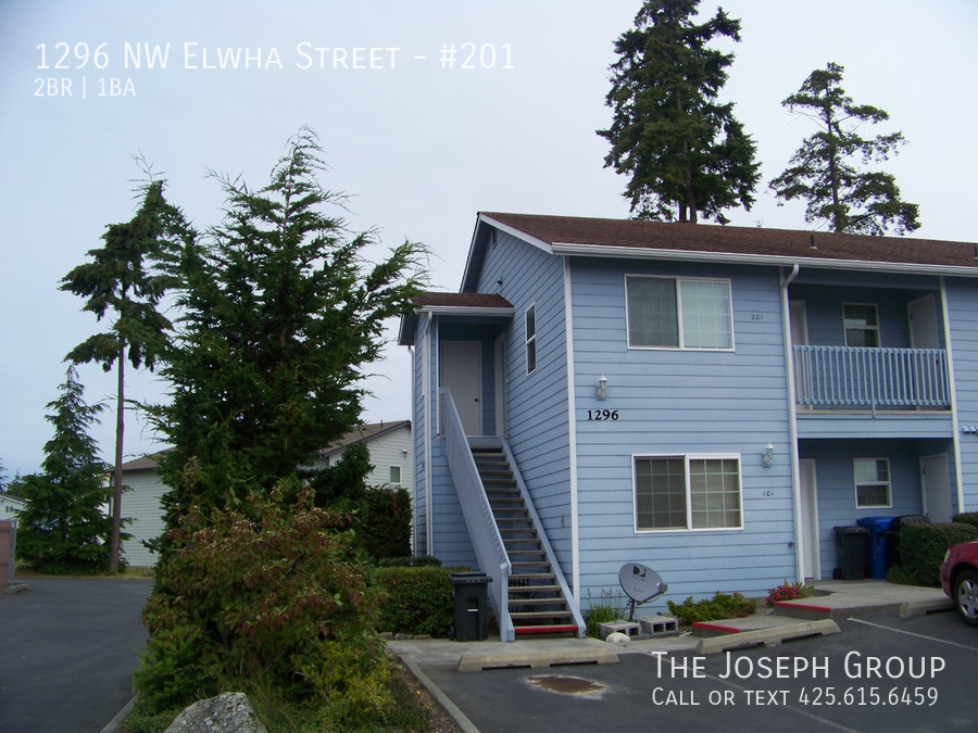 (K524)  Newer 2 Bedroom Apartment!  MOVES FAST!!   Schedule your viewing today!