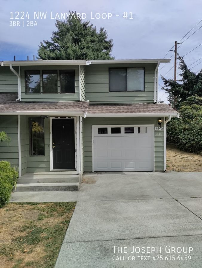 (P662) Very nice townhouse style condo in town. Alderbrook Condos (P662)