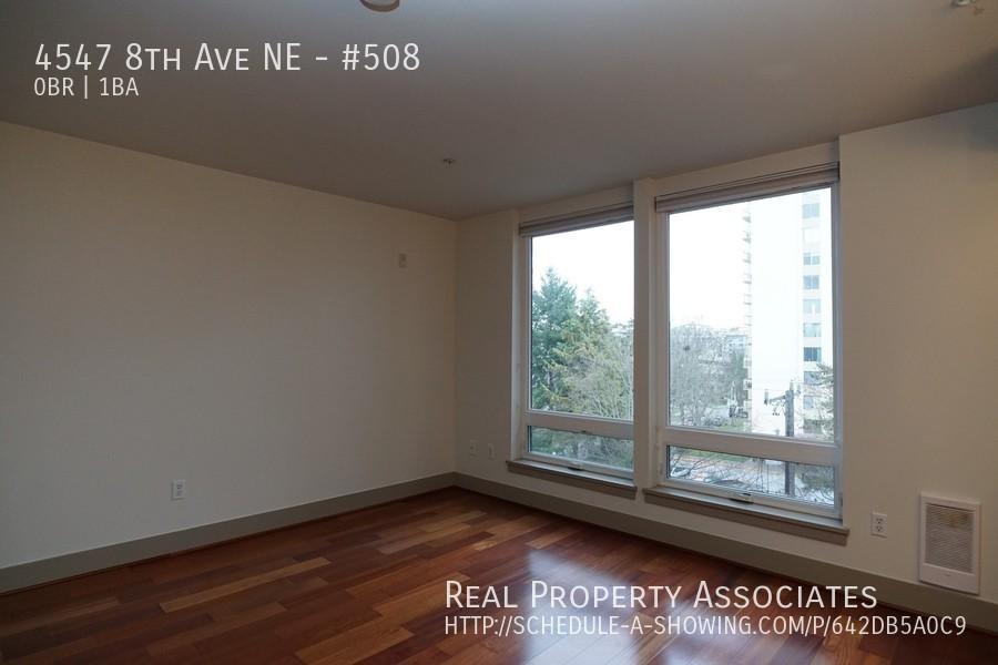 4547 8th Ave NE, #508, Seattle WA 98105 - Photo 3