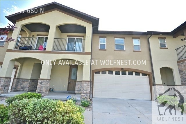 Townhouse for Rent in Centerville