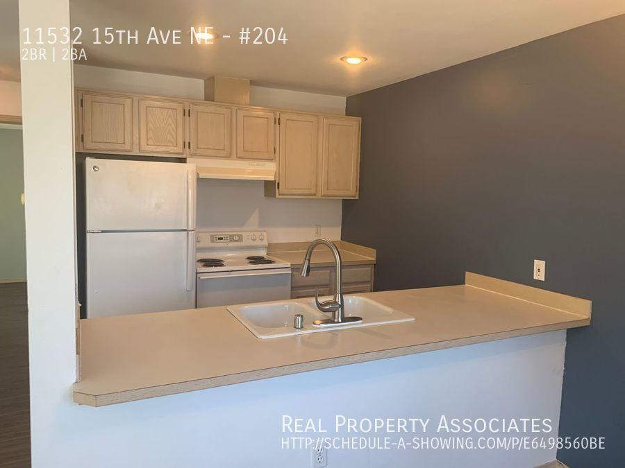 11532 15th Ave NE, #204, Seattle WA 98125 - Photo 2