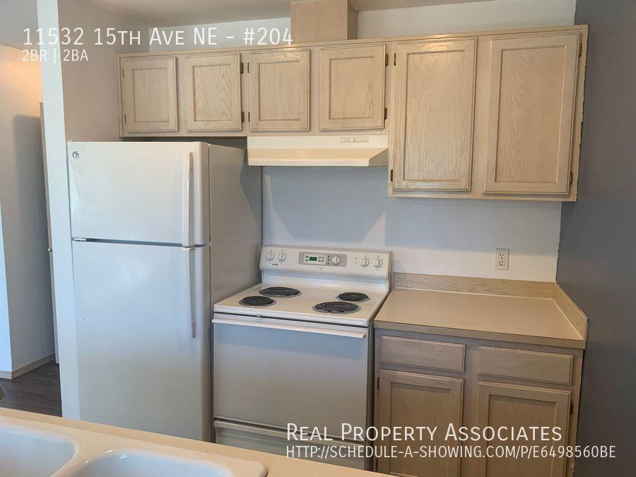 11532 15th Ave NE, #204, Seattle WA 98125 - Photo 3
