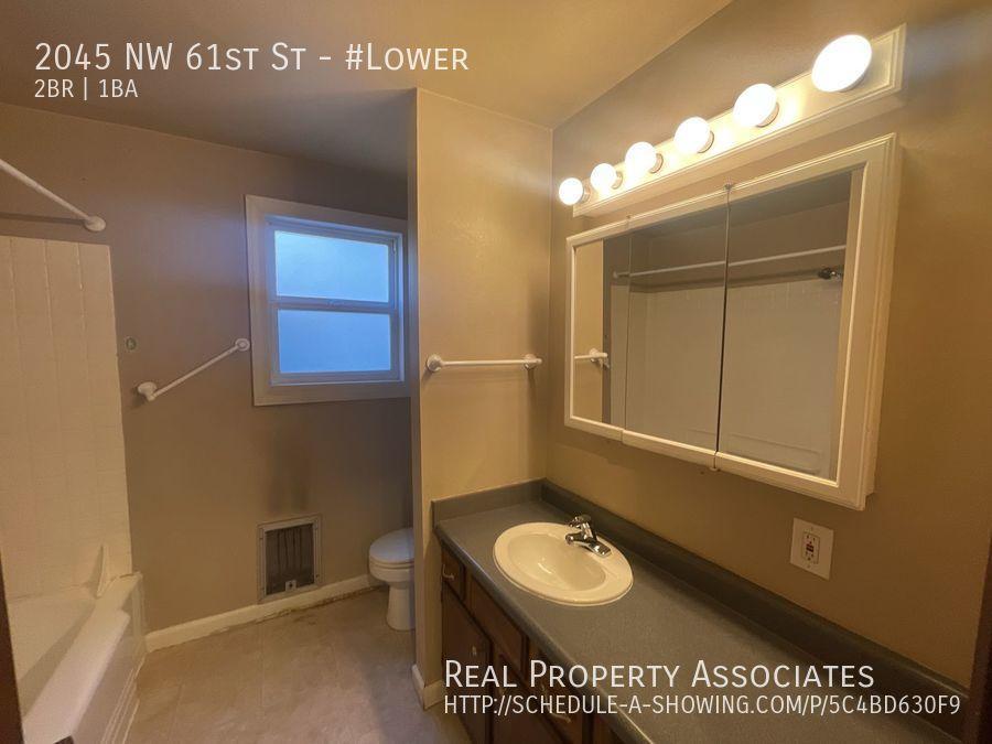 2045 NW 61st St, #Lower, Seattle WA 98107 - Photo 10
