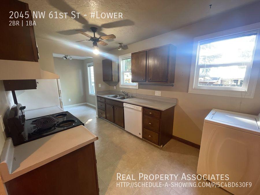 2045 NW 61st St, #Lower, Seattle WA 98107 - Photo 13