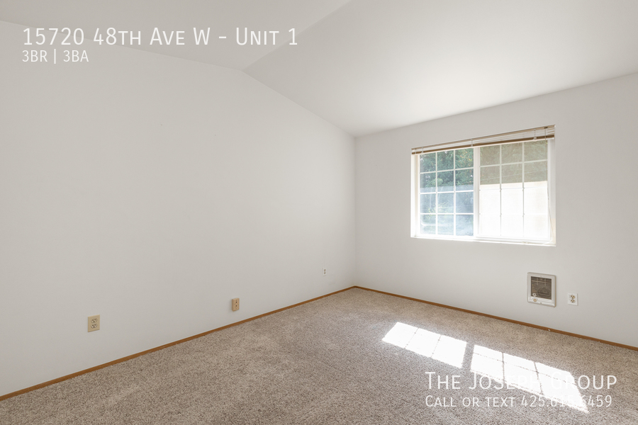 Open and bright 3 bed/2.5 bath in Edmonds! - Photo 22