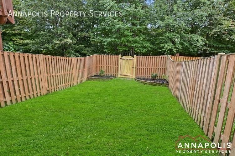909 arkblack terrace id1205 back yard an