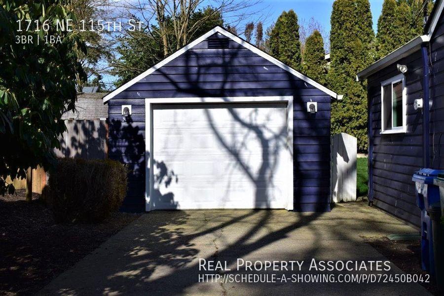 1716 NE 115th St, Seattle WA 98125 - Photo 18