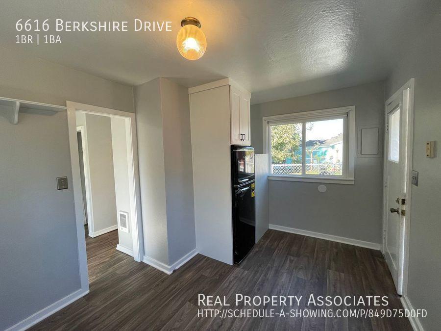 6616 Berkshire Drive, Everett WA 98203 - Photo 4