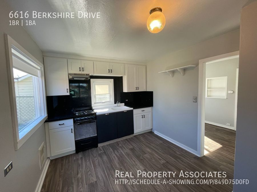 6616 Berkshire Drive, Everett WA 98203 - Photo 5