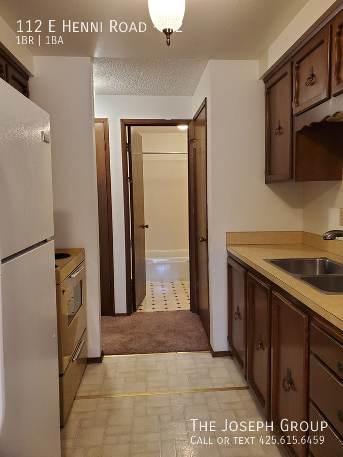 K452) 1 Bedroom Apartment north of Oak Harbor! Schedule a viewing Today! - Photo 3