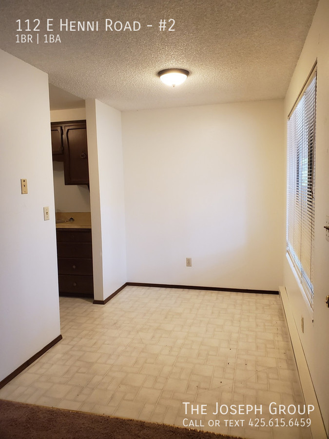 K452) 1 Bedroom Apartment north of Oak Harbor! Schedule a viewing Today! - Photo 4