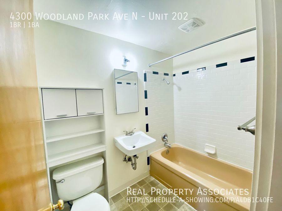 4300 Woodland Park Ave N, Unit 202, Seattle WA 98103 - Photo 9