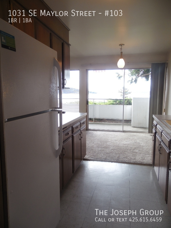 (K585) 1 Bedroom Apartment with Water View in Downtown Oak Harbor! - Photo 4