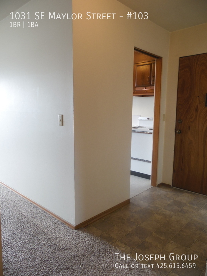 (K585) 1 Bedroom Apartment with Water View in Downtown Oak Harbor! - Photo 6