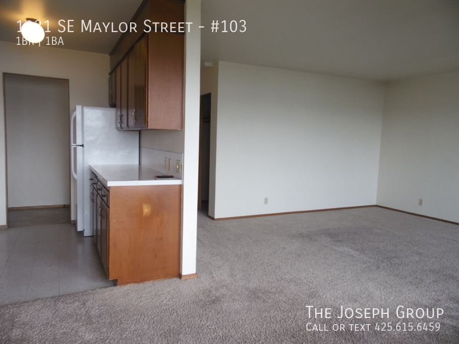 (K585) 1 Bedroom Apartment with Water View in Downtown Oak Harbor! - Photo 8