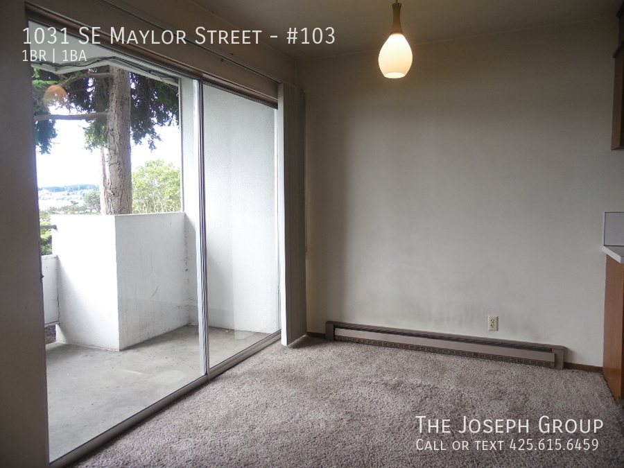 (K585) 1 Bedroom Apartment with Water View in Downtown Oak Harbor! - Photo 10
