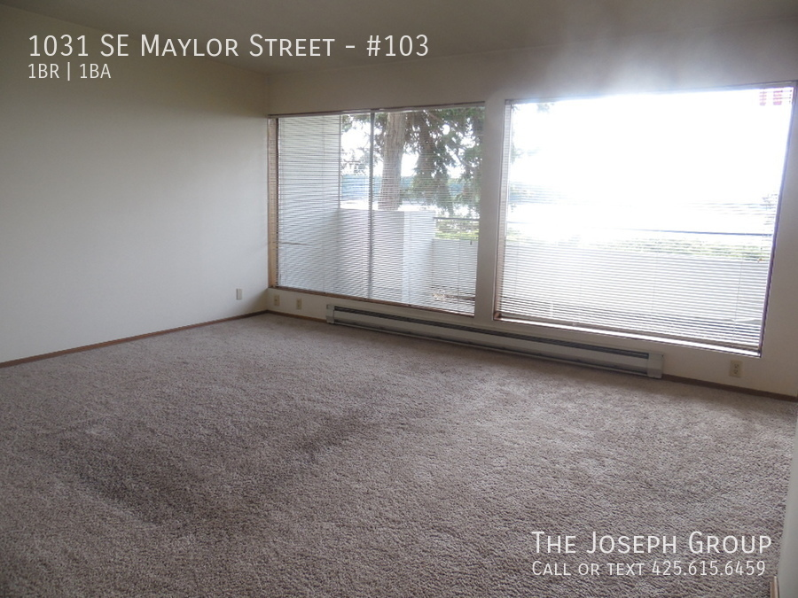 (K585) 1 Bedroom Apartment with Water View in Downtown Oak Harbor! - Photo 11
