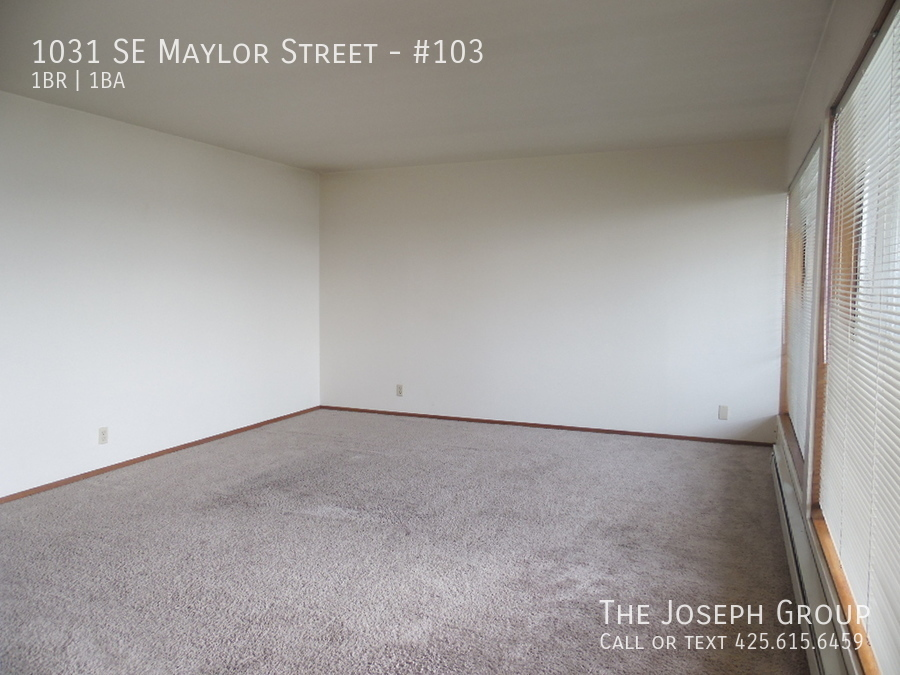 (K585) 1 Bedroom Apartment with Water View in Downtown Oak Harbor! - Photo 12