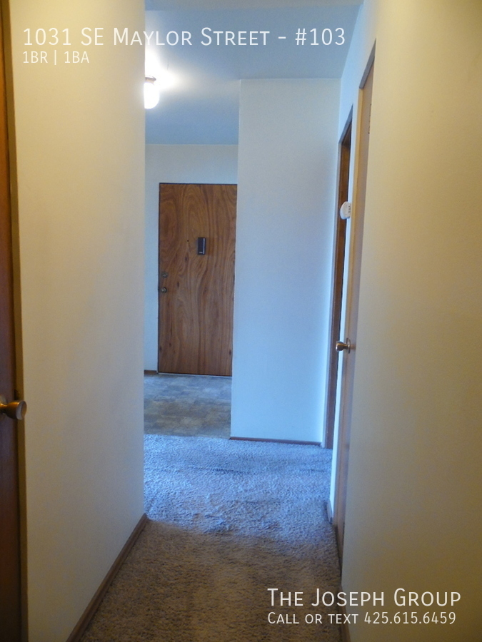 (K585) 1 Bedroom Apartment with Water View in Downtown Oak Harbor! - Photo 15