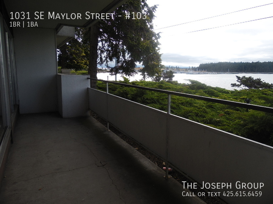 (K585) 1 Bedroom Apartment with Water View in Downtown Oak Harbor! - Photo 19