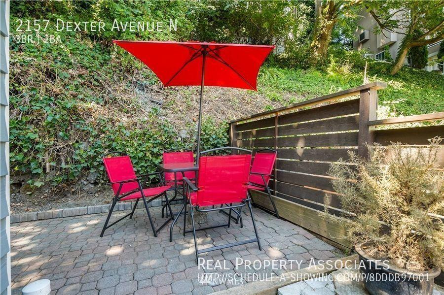 2157 Dexter Avenue N, Seattle WA 98109 - Photo 27