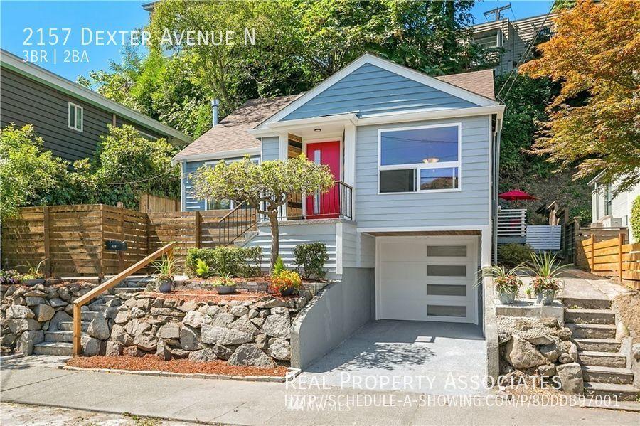 2157 Dexter Avenue N, Seattle WA 98109 Photo