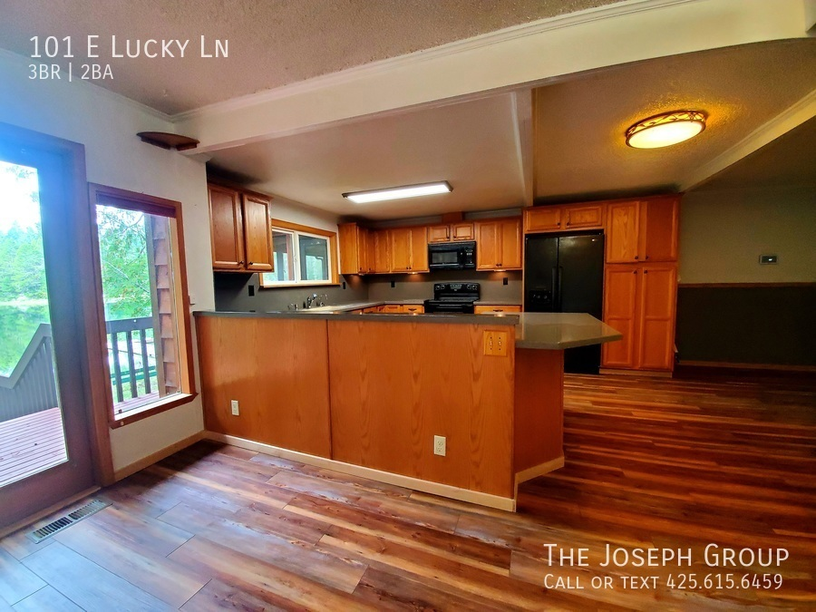Beautiful lakefront home minutes from town! - Photo 5