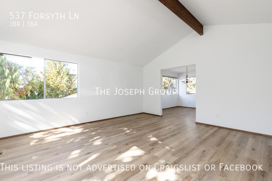 Beautiful 3 Bedroom, 3 bath home in Edmonds!  - Photo 3