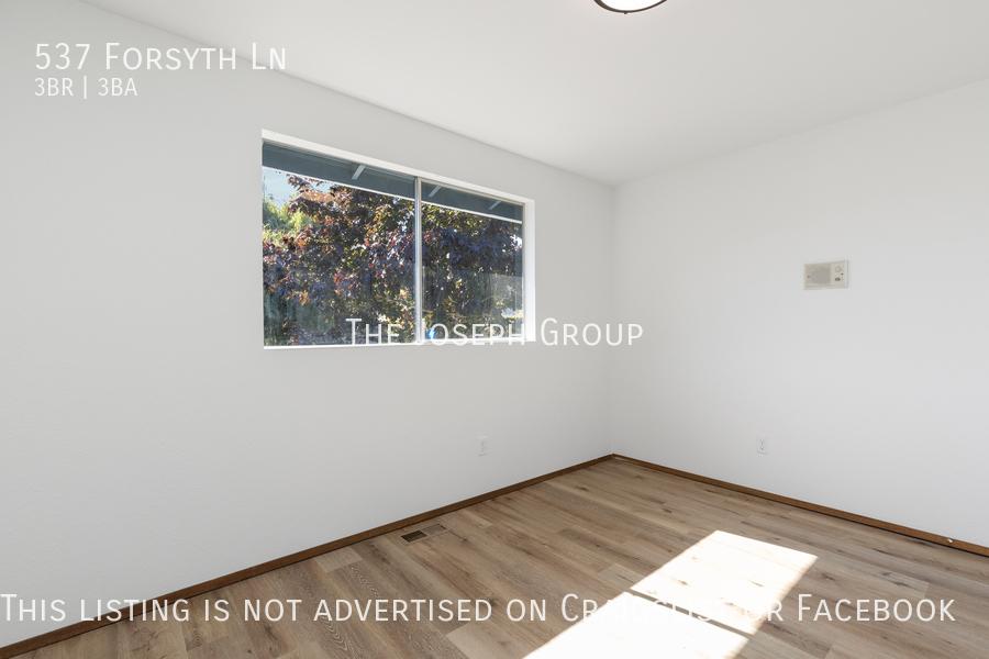Beautiful 3 Bedroom, 3 bath home in Edmonds!  - Photo 24