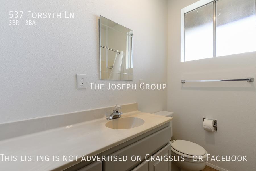 Beautiful 3 Bedroom, 3 bath home in Edmonds!  - Photo 38