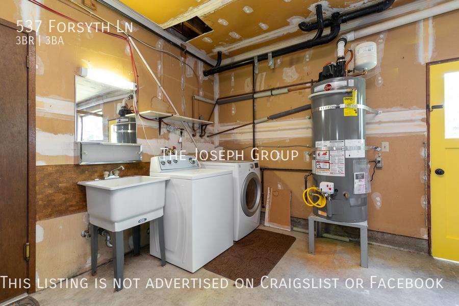 Beautiful 3 Bedroom, 3 bath home in Edmonds!  - Photo 41