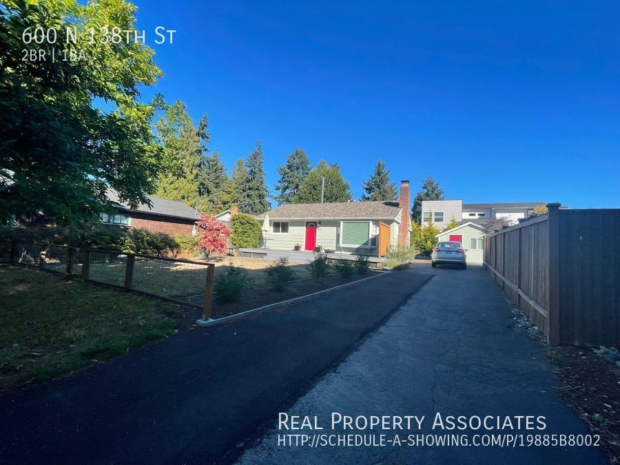 600 N 138th St, Seattle WA 98133 - Photo 12