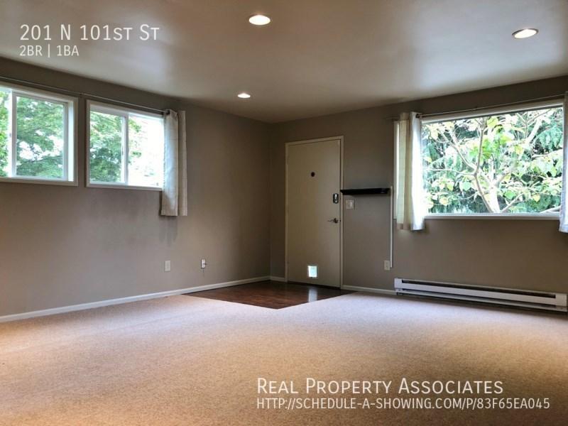 201 N 101st St, Seattle WA 98133 - Photo 3