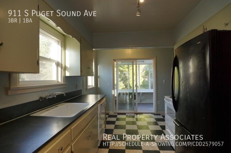 911 S Puget Sound Ave, Tacoma WA 98405 - Photo 7