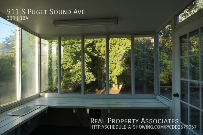 911 S Puget Sound Ave, Tacoma WA 98405 - Photo 9