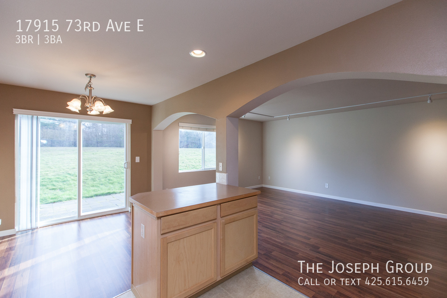 Beautiful 3/bd 2.5ba Puyallup home is move-in ready! - Photo 7
