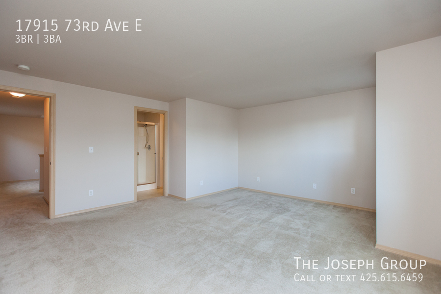 Beautiful 3/bd 2.5ba Puyallup home is move-in ready! - Photo 13