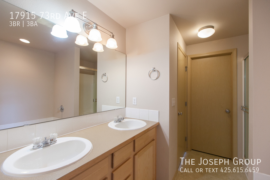 Beautiful 3/bd 2.5ba Puyallup home is move-in ready! - Photo 15