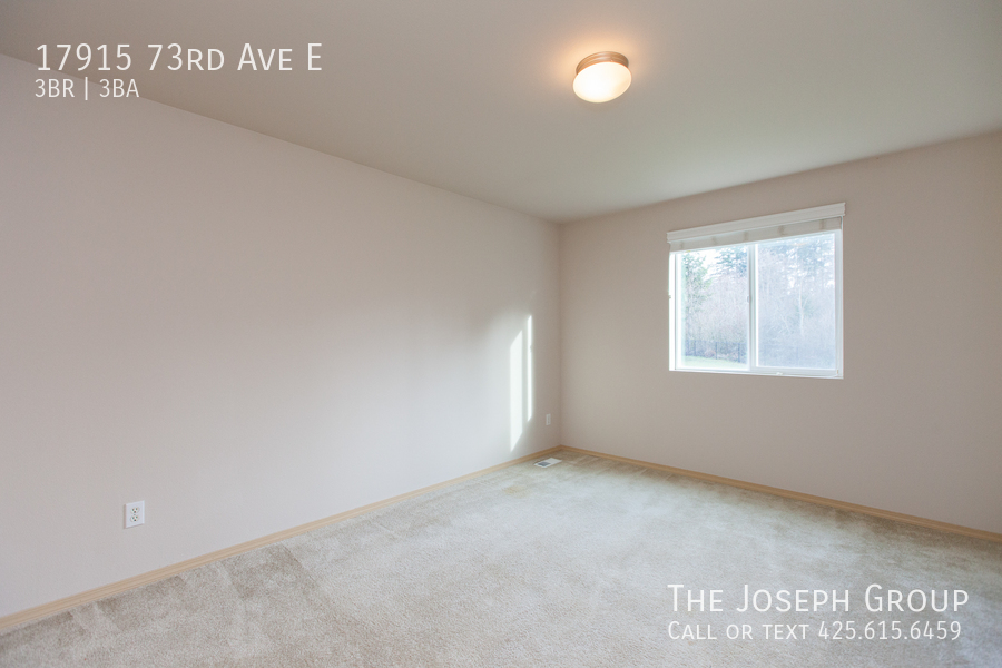 Beautiful 3/bd 2.5ba Puyallup home is move-in ready! - Photo 17