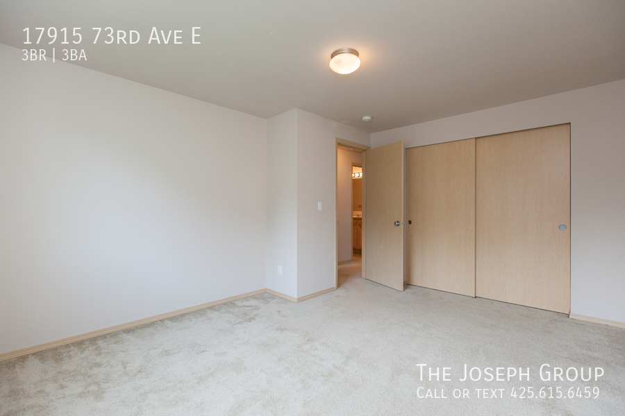 Beautiful 3/bd 2.5ba Puyallup home is move-in ready! - Photo 18