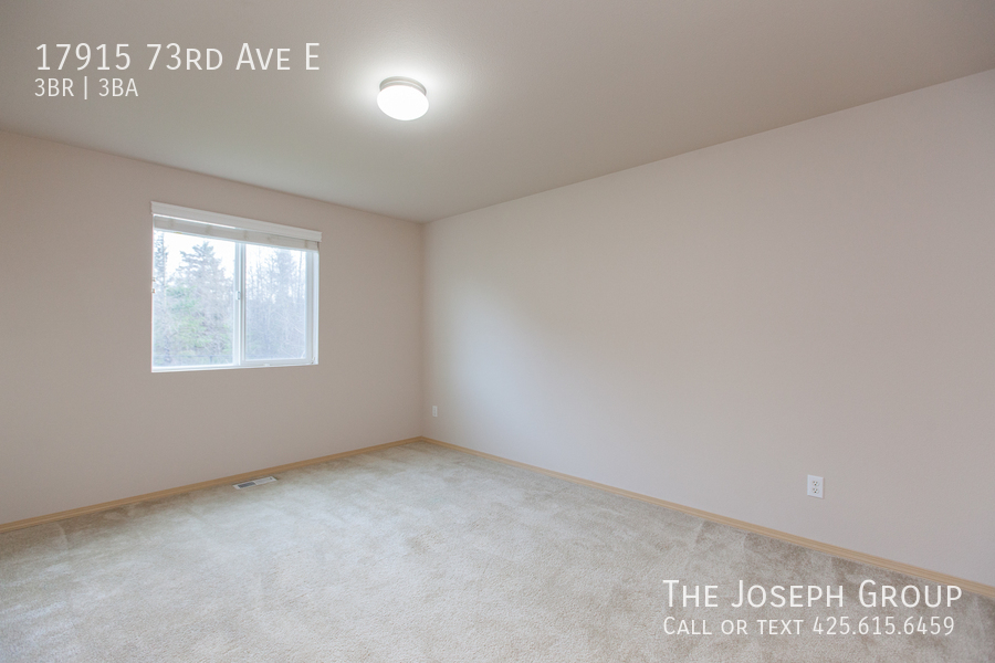 Beautiful 3/bd 2.5ba Puyallup home is move-in ready! - Photo 19