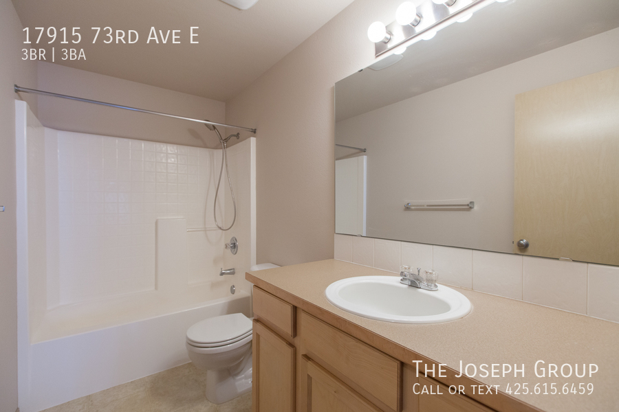 Beautiful 3/bd 2.5ba Puyallup home is move-in ready! - Photo 21