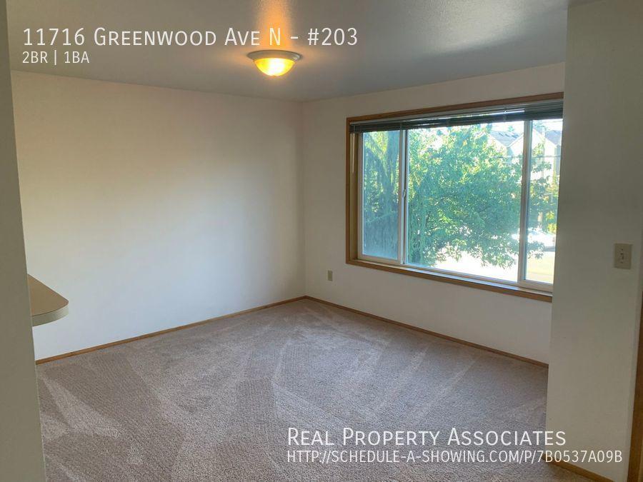 11716 Greenwood Ave N, #203, Seattle WA 98133 - Photo 3