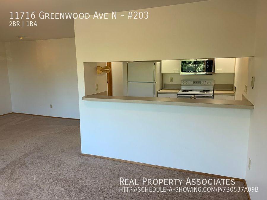 11716 Greenwood Ave N, #203, Seattle WA 98133 - Photo 4