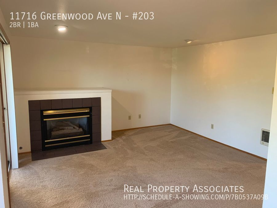 11716 Greenwood Ave N, #203, Seattle WA 98133 - Photo 5