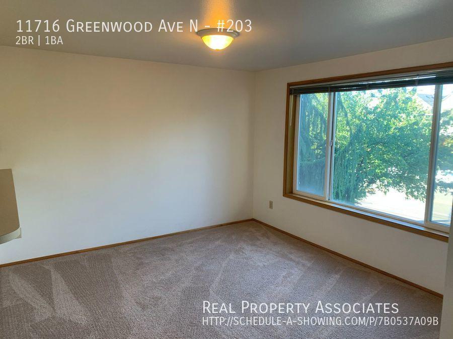 11716 Greenwood Ave N, #203, Seattle WA 98133 - Photo 6