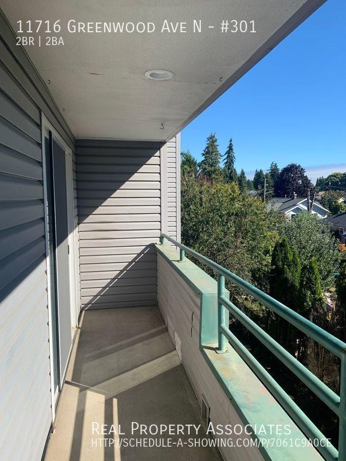 11716 Greenwood Ave N, #301, Seattle WA 98133 - Photo 6