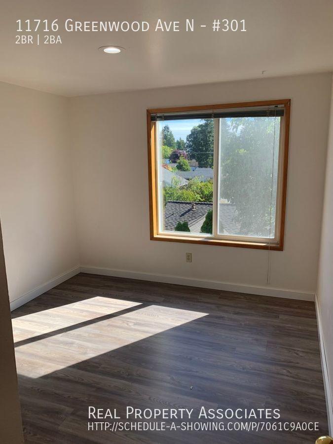 11716 Greenwood Ave N, #301, Seattle WA 98133 - Photo 9