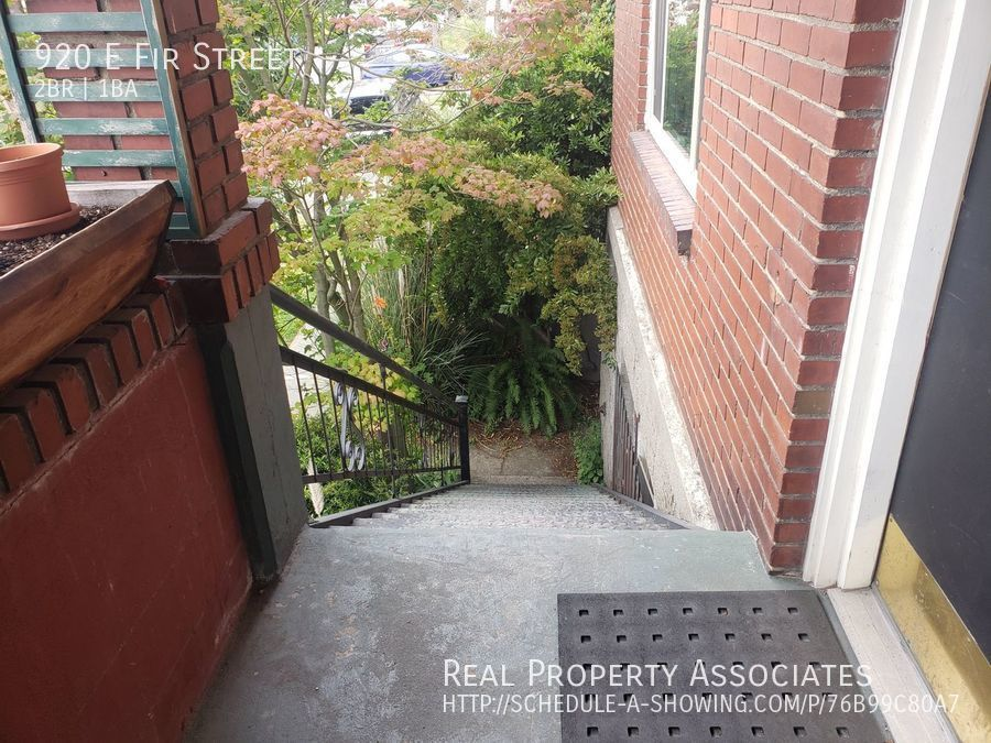 920 E Fir Street, Seattle WA 98122 - Photo 2